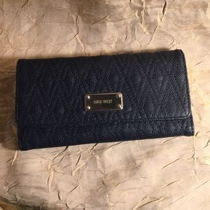 Nine West navy wallet like new